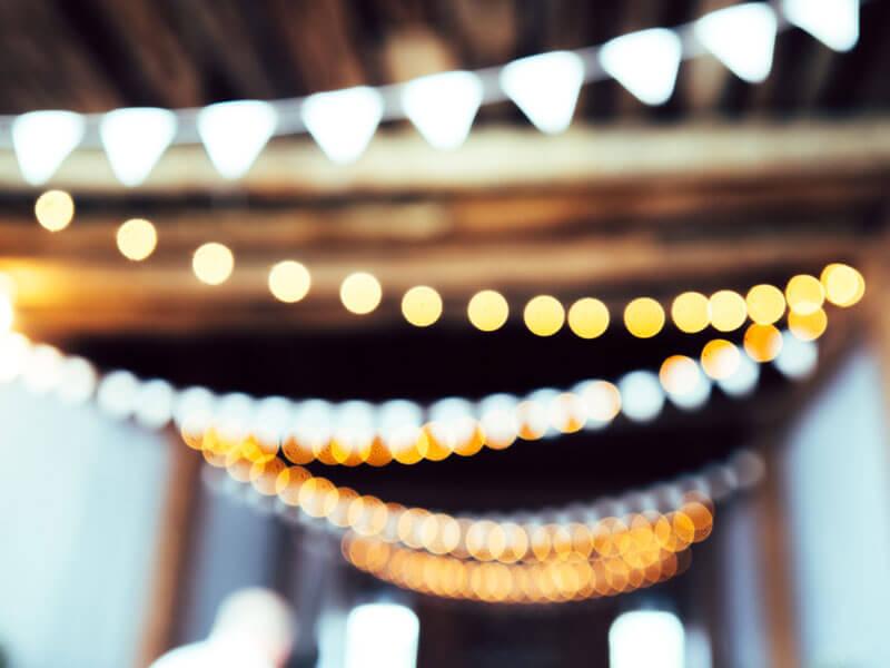 Ljusslingor i taket